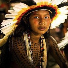 Amazonia Kayapo, un bijou, un voyage au sein des peuples souverains des mémoires de la Terre.